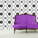 Traditional graphic pattern great for a dining room or bedroom wall