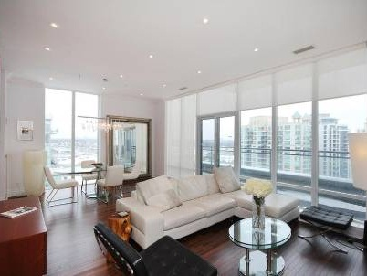 Apt. Ph01 - 58 Marine Parade Dr., Toronto - living