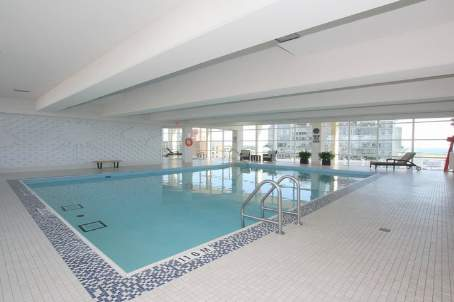 Apt. Ph02 - 628 Fleet St, Toronto - indoor pool