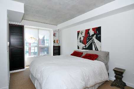 Toronto Real Estate - Apt. 807 - 800 King St. W - bedroom